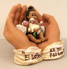"""IN HIS HANDS"" ""ei senor es mi Pastor"" 0183-01023"